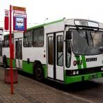 """Autobus linii """"103"""" na rynku w Choroszczy, foto: Izolda Hukałowicz"""