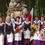 Klepaczanki pod pomnikiem w Krasławiu