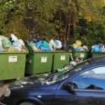 Śmieci na Al. Niepodległości, fot. W. Błaszko