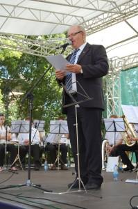 Na zdjęciu Romuald Ożlański dyrektor M-GCK w Choroszczy podczas X Międzynarodowego Przeglądu Młodzieżowych Orkiestr Dętych fot. P. Waczyński