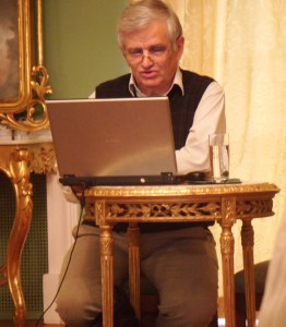 Prof. dr hab. Adam Czesław Dobroński podczas odczytu fot. M. Ogrodnik