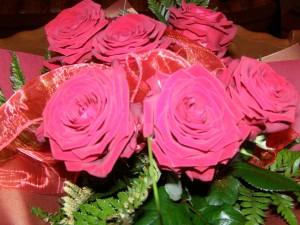 bukiet kwiaty róże