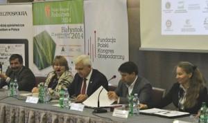 od lewej Jan Zawadzki, Barbara Groele, prof. Wnorowski, Andrzej Remisiewicz, Bożena Jelska-Jarosz (800x477)