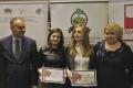 Waldemar Pawlak wraz z podlaskimi laureatkami konkursu Jagna 2014 oraz Ewą Kulikowską z UM w Białymstoku  (800x619)